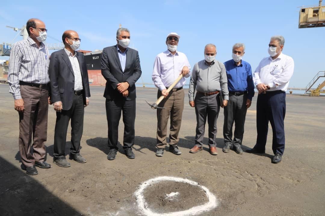 آغاز تعمیرات اساسی شبکه برق رسانی به مکنده های غلات و شهرک شهید رجایی