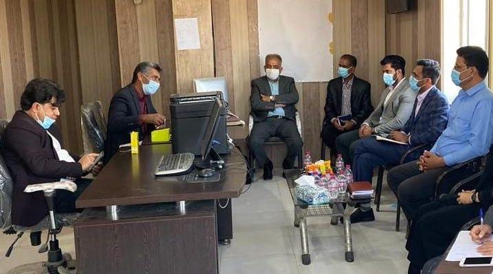جلسه هیئت امناء بنادرصیادی کوهستک وخورآذینی در راستای ساماندهی این بنادر