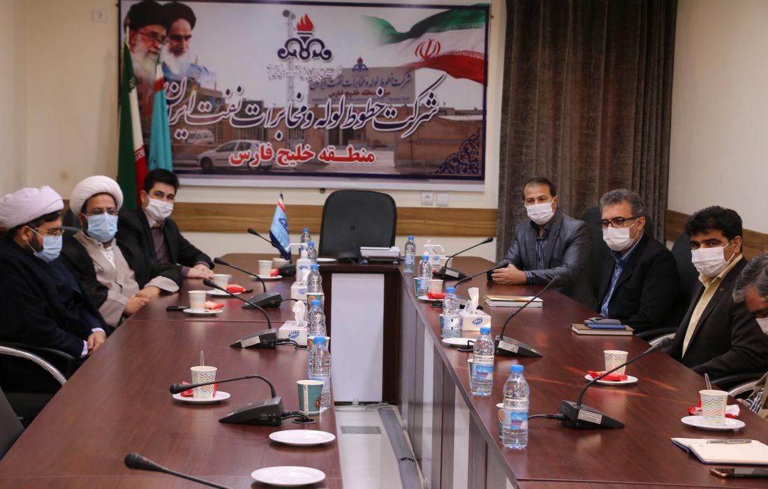بازدید مسئولین شرکت پالایش و پخش از منطقه خلیج فارس