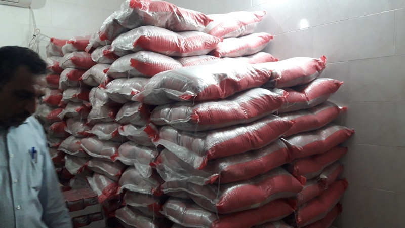 توزیع بیش از ۴۰ تن برنج در بین روستائیان بندرعباس