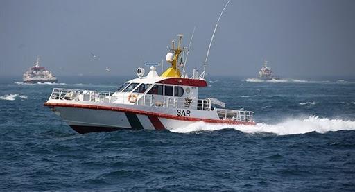 نجات جان سه صیاد مفقود شده  در آبهای جزیره سیری