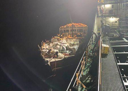 نجات جان۵  خدمه موتور لنج تجاری در آبهای جزیره سیری