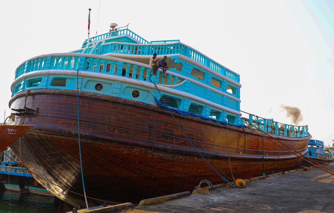 راهبرد پهلودهی شناورهای بزرگ در بنادر مرکز و شرق استان مورد توجه است